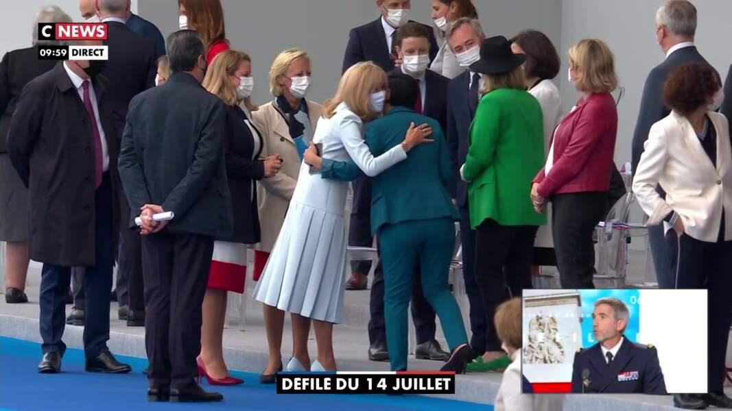 Brigitte Macron était une nouvelle fois très chic ce 14 juillet 2021.