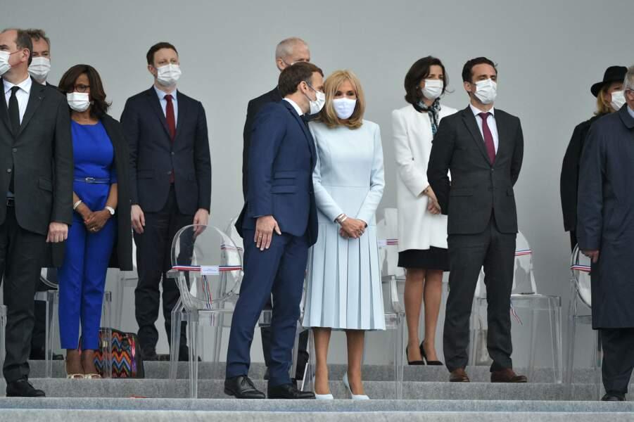 Brigitte Macron a rivalisé d'élégance dans la tribune présidentielle, pour le défilé du 14 juillet 2021.