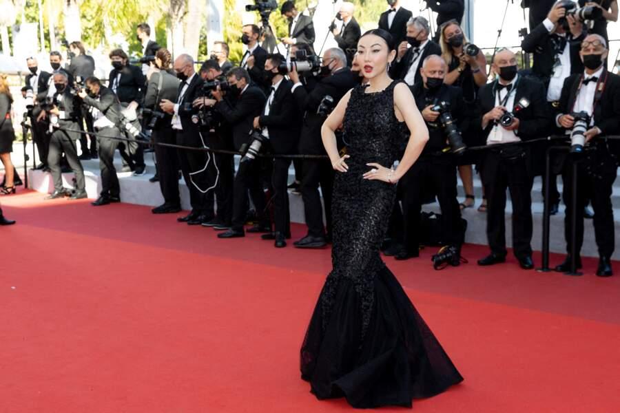 L'influenceuse Jessica Wang sur le tapis rouge du Festival de Cannes le 14 juillet 2021