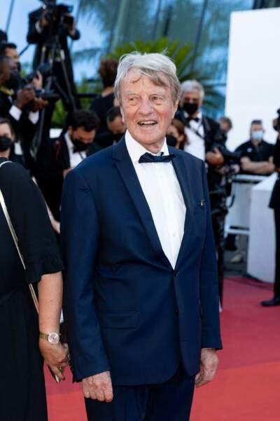 Bernard Kouchner sur le tapis rouge du Festival de Cannes le 14 juillet 2021