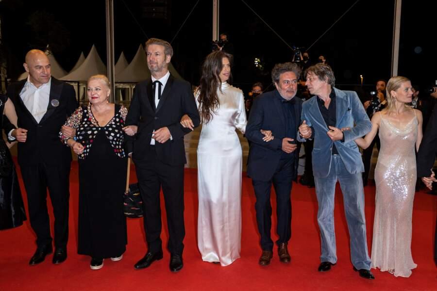 """Mélanie Thierry n'a pas manqué de faire sensation pour cette deuxième montée des marches afin de présenter le film """"Tralala""""."""