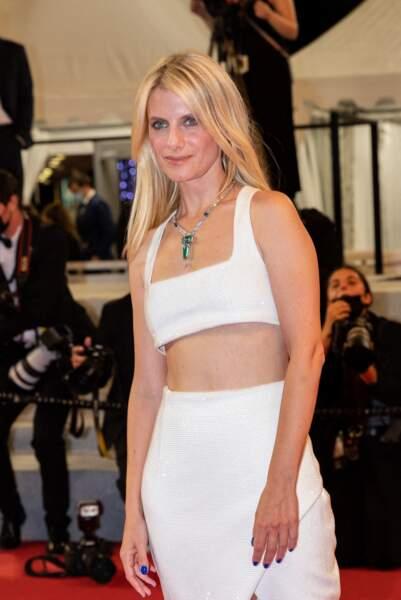 Mélanie Laurent, un membre du jury très élégant en Balmain le 14 juillet 2021 à Cannes.