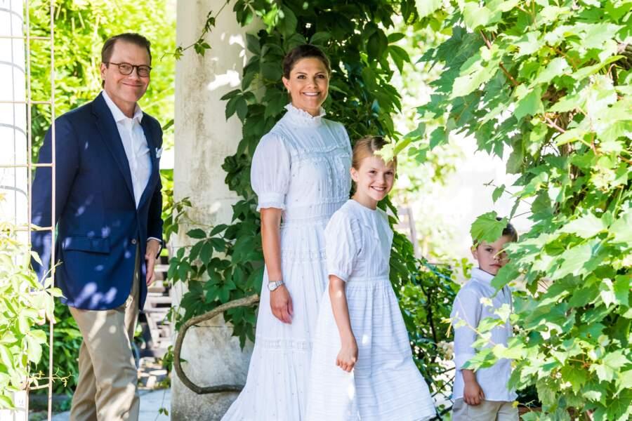 Une belle journée en famille pour la princesse Victoria de Suède, qui fête ses 44 ans, lors des célébrations de la fête de Victoria au palais de Solliden à Oeland, Suède, le 14 juillet 2021.