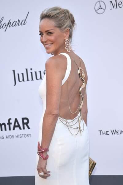 Sharon Stone à l'Amfar en 2013 : majestueuse en robe dos-nu