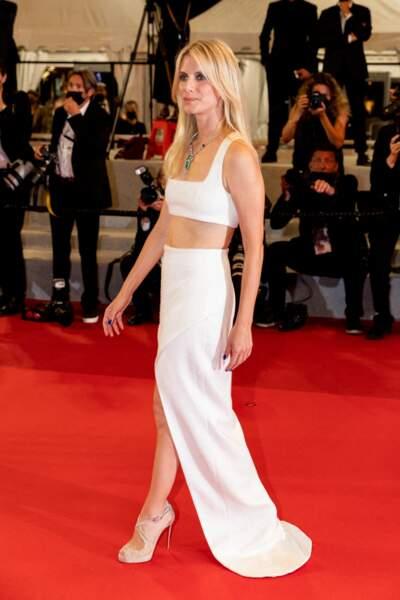 """Mélanie Laurent ravissante en Balmain pour la montée des marches du film« Les Olympiades"""", le  14 juillet 2021."""