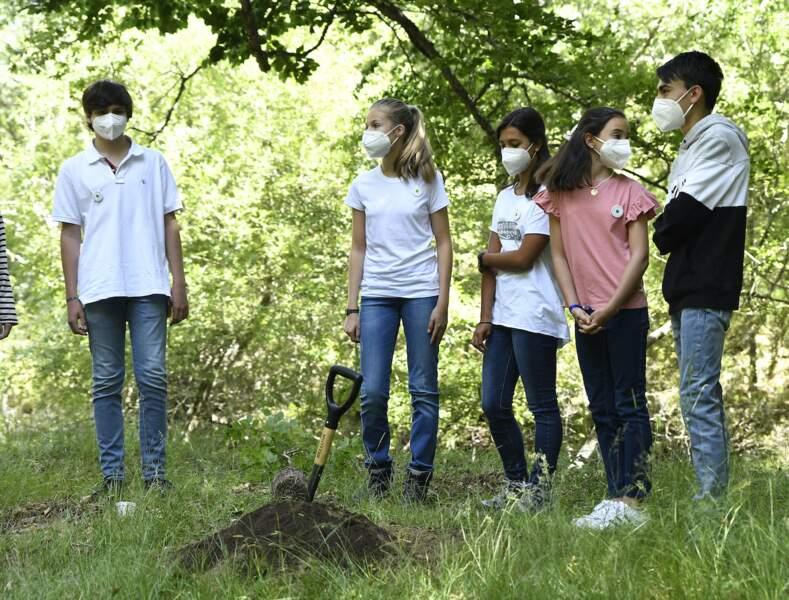 La princesse Leonor et l'infante Sofia d'Espagne ont participé au programme Un arbre pour l'Europe ce 14 juillet en toute simplicité