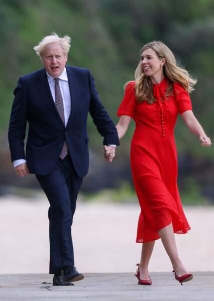 Carrie Symonds main dans la main avec son mari Boris Johnson pour accueillir le président américain Joe Biden et sa femme Jill Biden, au sommet du G7, en Cornouailles, le 10 juin 2021