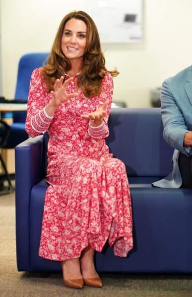 """Kate Middleton visite un """"Job Centre"""" en compagnie de son époux le prince William, à Londres, le 15 septembre 2020"""