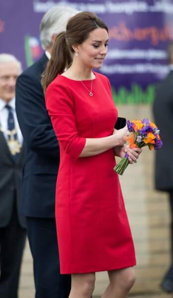 Kate Middleton rend visite aux enfants hospitalisés du East Anglia Children's Hospice, de Norfolk, le 25 novembre 2014