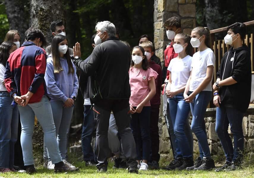 Dès leur plus jeune âge, la princesse Leonor et l'infante Sofia d'Espagne ont été sensibilisée à l'environnement en participant à des événements comme ce 14 juillet