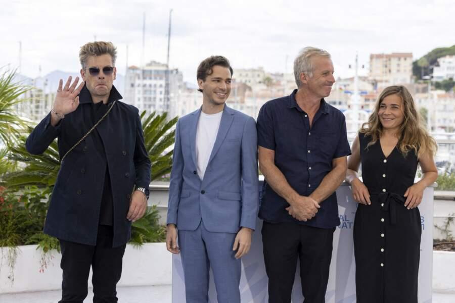 Benjamin Biolay fait une petite grimace aux photographes lors du photocall du film « France » au Festival de Cannes, vendredi 16 juillet 2021.