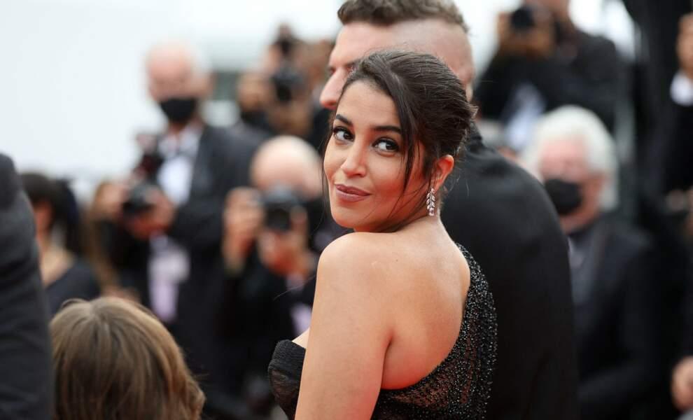 Leïla Bekhti a subjuguer les photographes, prenant la pose avec chic et élégance.