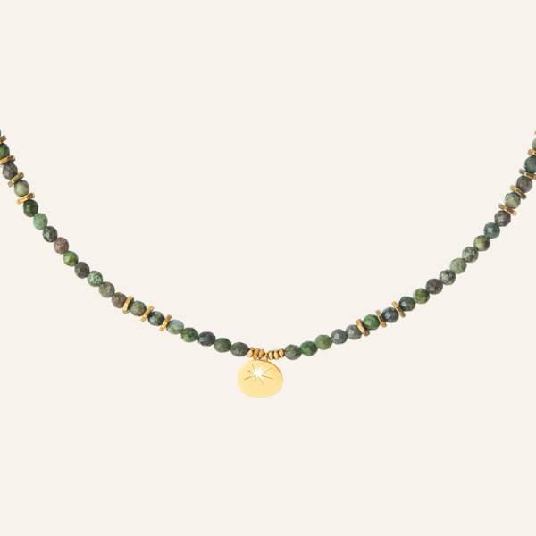 Collier étoile esprit bohème vert, 42€, Reminiscence Paris