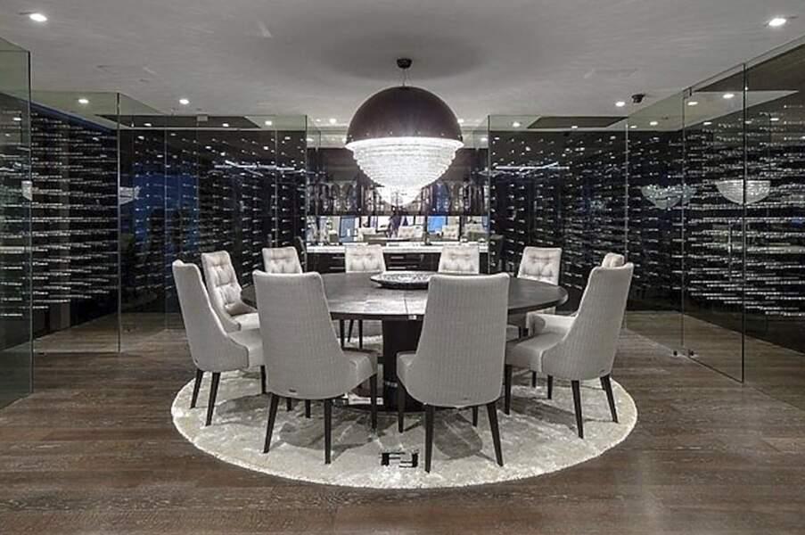 Pour accompagner les futurs mets, Jennifer Lopez et Ben Affleck pourraient profiter de cette immense cave à vins