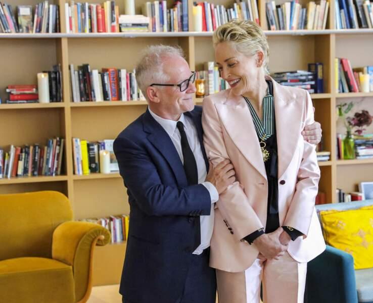 L'actrice américaine Sharon Stone et Thierry Frémaux, délégué général du festival de Cannes, émus et complices.