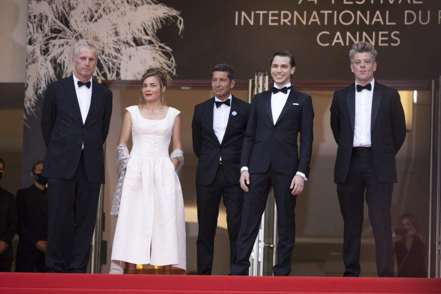 Bruno Dumont, Blanche Gardin, David Lisnard (le maire de Cannes), Emanuele Arioli et Benjamin Biolay au Festival de Cannes, jeudi 15 juillet 2021.