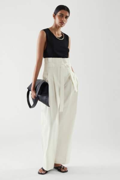 Pantalon taille haute façon paperbag, 79€, Cos