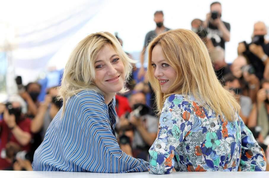 Belle complicité entre les deux actrices Valeria Bruni-Tedeschi, Vanessa Paradis.