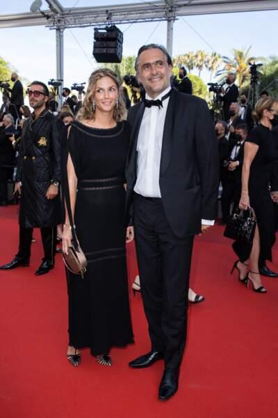 L'amour, toujours l'amour, avec Emmanuel Chain et sa compagne Camille, tous deux très élégants pour cette dernière montée des marches de Cannes 2021