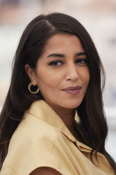 Leïla Bekhti est toute en beauté pour le photocall du film Les Intranquilles au festival de Cannes le 17 juillet