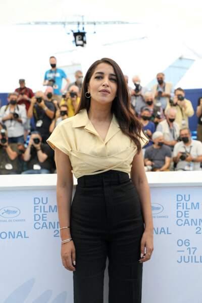 Un vent de glamour souffle sur la Croisette avec l'arrivée de Leïla Bekhti au photocall du film Les Intranquilles, le 17 juillet
