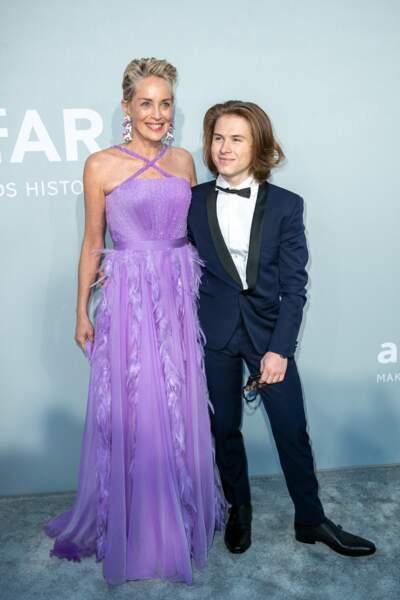 Sharon Stone est venue accompagnée de son fils, Roan Joseph Bronstein au gala de l'amfAR, ce 16 juillet