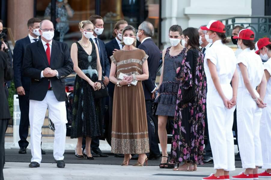 Le prince Albert II vient entourer de ses proches pour participer au concert de la Croix-Rouge, ce vendredi 16 juillet