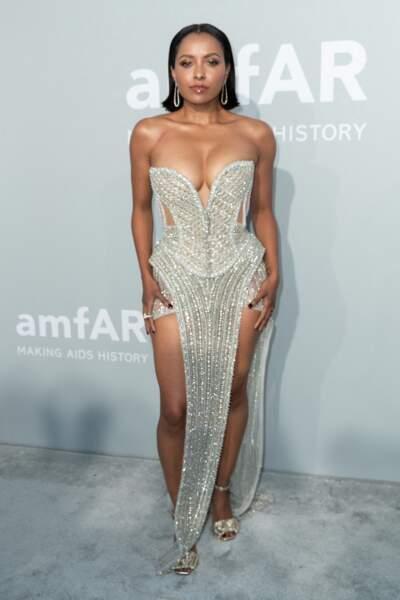 Kat Graham a jeté son dévolu sur une robe Nicolas Jebran pour sa venue au gala de l'amfAR, lors du 74ème Festival de Cannes, le 16 juillet