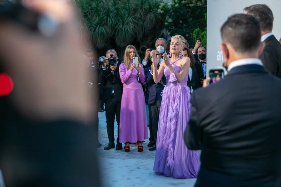Sharon Stone a été accueilli en grande pompe lors de sa venue au gala de l'amfAR à la Villa Eilen Roc au Cap d'Antibes, le 16 juillet
