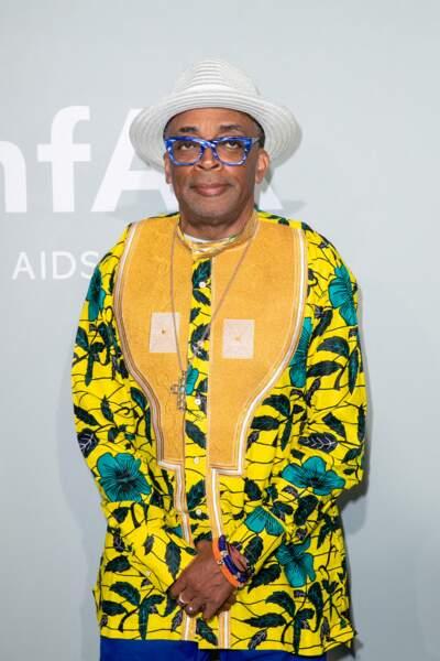 Spike Lee a choisi un look très coloré pour son apparition au gala de l'amfAR à la Villa Eilen Roc au Cap d'Antibes lors du 74ème Festival International du Film de Cannes, le 16 juillet
