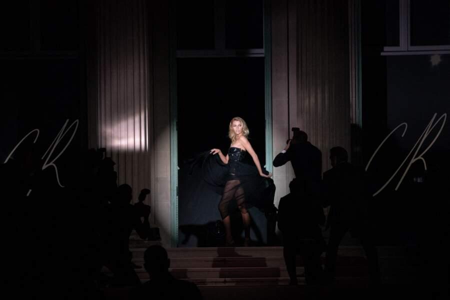 Stella Maxwell a fait une prestation remarquée lors de la soirée du gala de l'amfAR, le 16 juillet