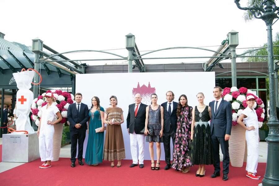 Les membres de la royauté lors du photocall au concert de la Croix-Rouge, ce vendredi 16 juillet