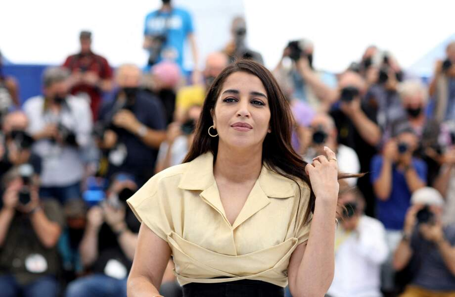 Les photographes ont mitraillé l'actrice Leïla Bekhti au festival de Cannes au photocall du film Les Intranquilles, le 17 juillet