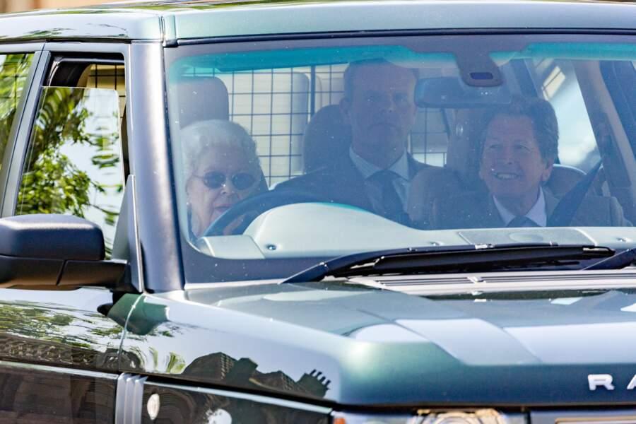 La reine serait accompagnée de John Warren, son conseiller en courses hippiques