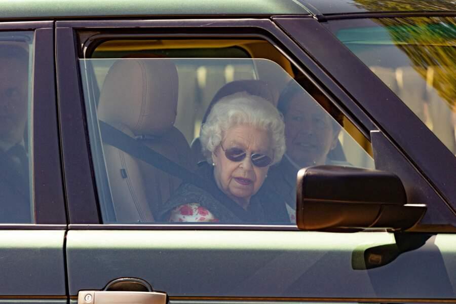 La reine se rend aux écuries de Sandringham ce dimanche 18 juillet