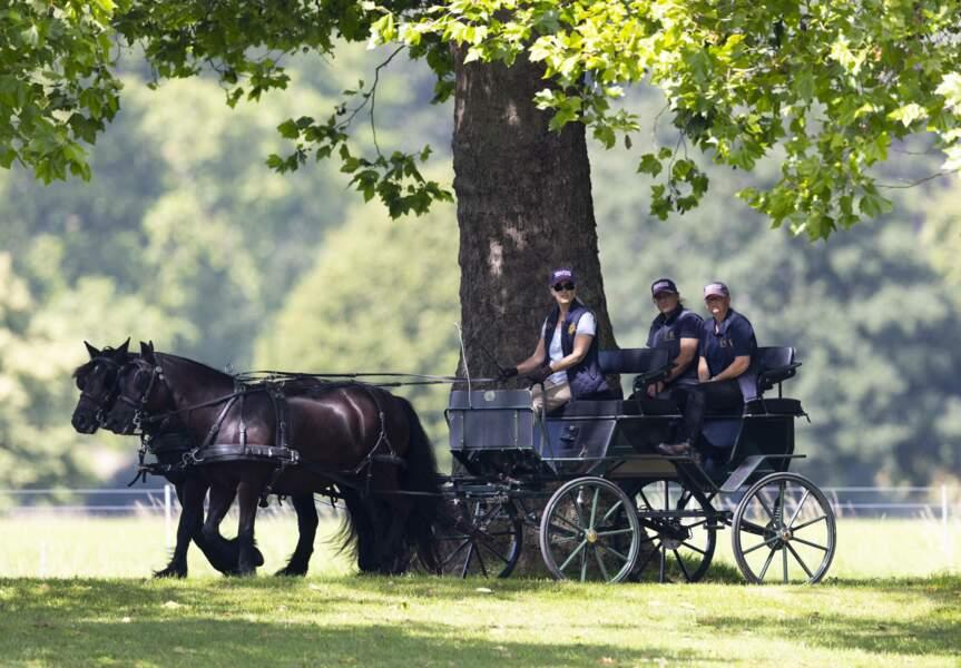 Sophie Rhys-Jones dans la calèche royale imaginé il y a huit ans auparavant par le duc d'Edimbourg, le 17 juillet