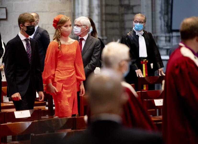 Pour l'occasion, la princesse Elisabeth avait rangé sa jolie robe rouge.