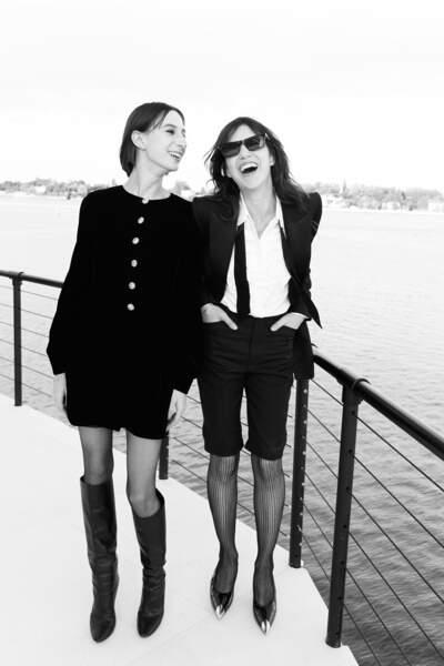 Charlotte Gainsbourg et sa fille Alice Attal au défilé Saint Laurent Paris