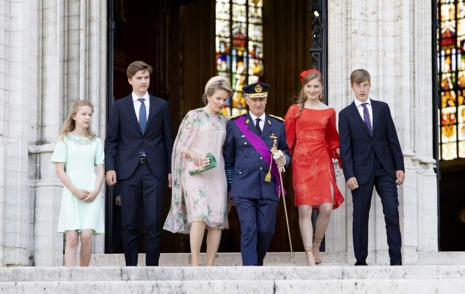 La princesse a défilé sous les yeux de sa famille dans l'uniforme de l'École royale militaire.