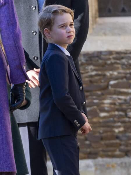 Le prince George fait la moue lors de la messe de Noël à Sandringham, en décembre 2019