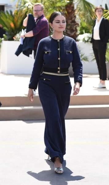 Selena Gomez en 2019 : élégante au Festival de Cannes en ensemble bleu nuit Chanel