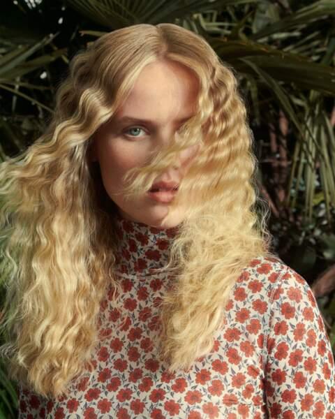 Cet automne-hiver 2021/2022, le blond se décline sous toutes ses facettes.