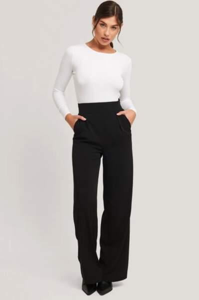 Pantalon de costume taille haute à jambe large, 55,95€, ≈