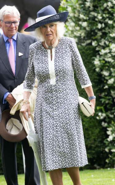Camilla Parker Bowles a fait une entrée remarquée à l'hippodrome d'Ascot, pour le King George Diamond Weekend
