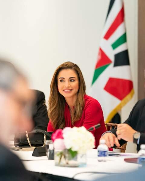 Le 21 juillet 2021, Rania de Jordanie s'était entretenue avec la first lady Jill Biden, autour d'une tasse de thé, pendant que son mari le roi Abdallah échangeait avec Joe Biden dans le Bureau Ovale.