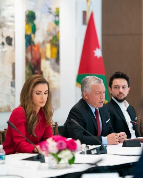 En visite officielle, Rania de Jordanie a posé ses valises à Washington avec son mari, le prince Abdallah II et leur fils le prince héritier Hussein, âgé de 27 ans.