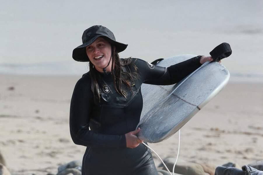 Leighton Meester a profité d'une journée à la plage de Malibu, en Californie, pour s'essayer à sa nouvelle passion : le surf !