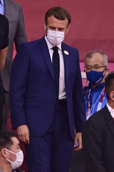 Emmanuel Macron à son arrivée dans les gradins lors de la cérémonie d'ouverture des Jeux Olympiques  2021
