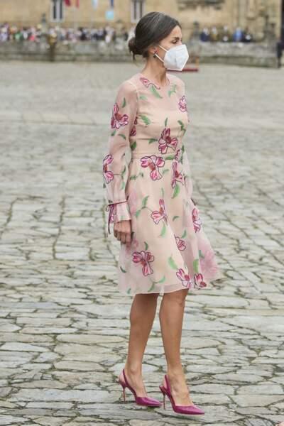 La reine Letizia d'Espagne se fait éclipser par ses filles lors de sa venue à la fête nationale de la Galice, le 25 juillet