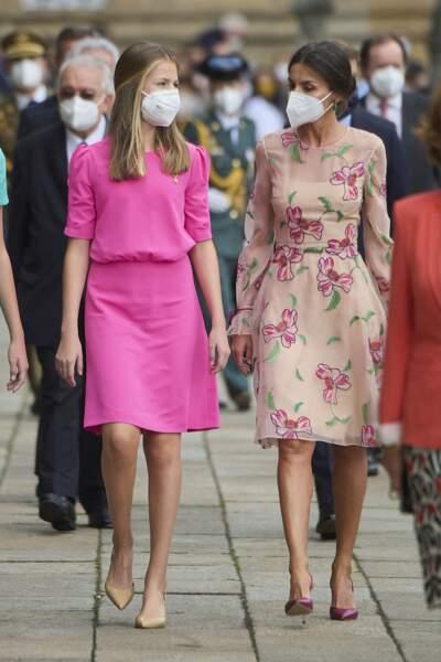 La reine Letizia d'Espagne avec sa fille lors des célébrations de la fête nationale de la Galice, le 25 juillet